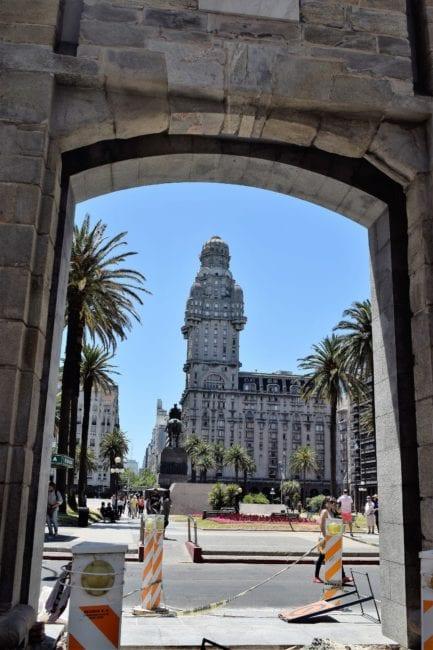 A view of the Palacio Salvo, through an arch in Montevideo