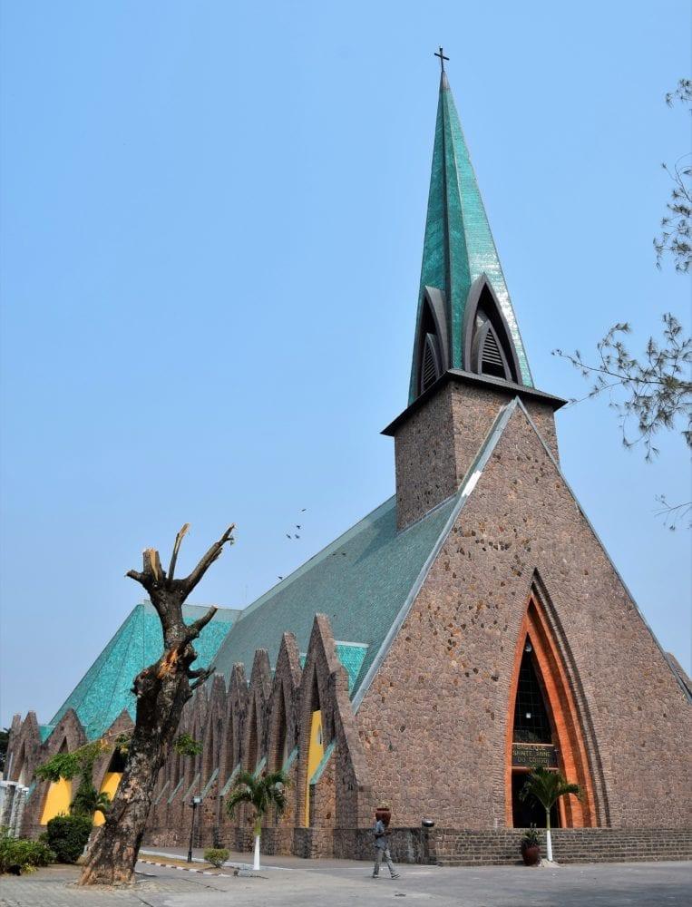 Basilique Sainte-Anne-du-Congo de Brazzaville