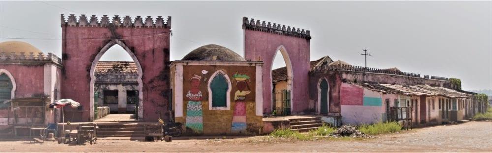The abandoned pink Arab style market at Bafeta