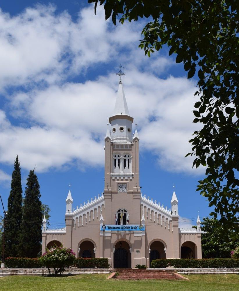 The pretty Iglesia Virgen de la Candelaria Aregua